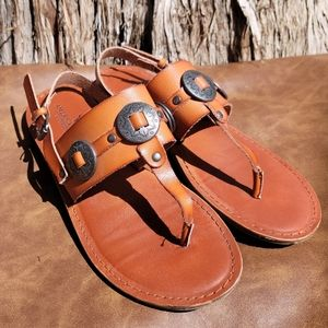 American Eagle Leather Sandals Size 6